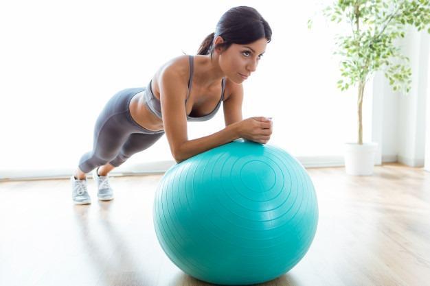 Pelota Pilates en casa
